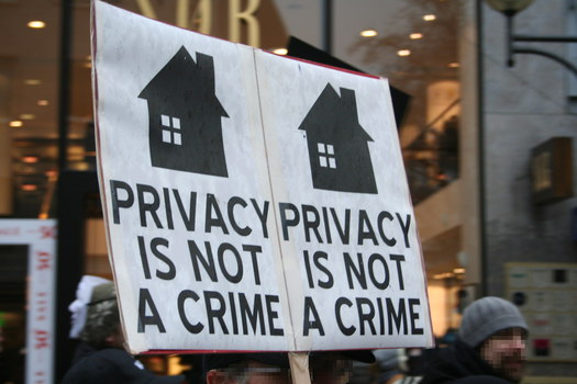 [Foto: Privacy is not a crime]