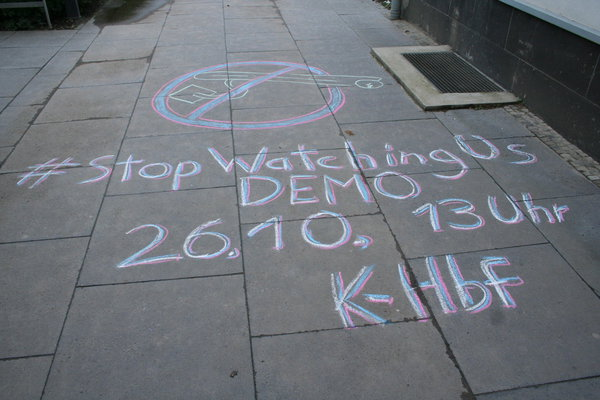 [Foto: Stop-Watching-Us-Demo-Aufruf nahe Uni]